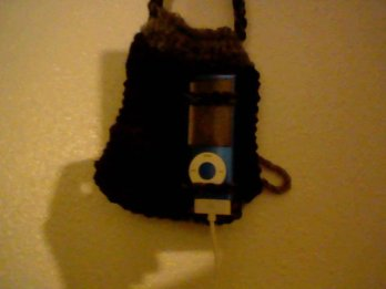 mp3 Hanging Sleeve_ You can even charge it while it's still in this nifty little pouch!